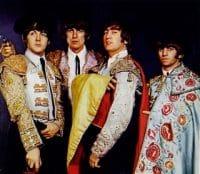 Los Beatles vestidos de torero