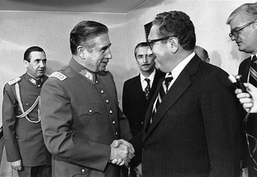 Kissinger, el hombre que susurraba a los dictadores
