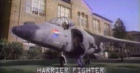El Harrier de la discordia, Pepsi - el café de la historia