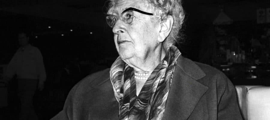 El café de la historia - Frases y citas de Agatha Christie