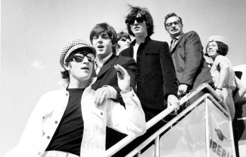 Los Beatles llegando a Barajas, 1965
