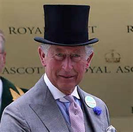 Principe Carlos con sombrero de copa