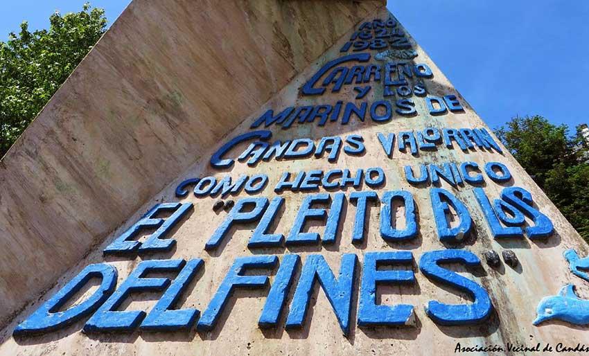 """Monumento en Candás al llamado """"Pleito de los delfines"""""""