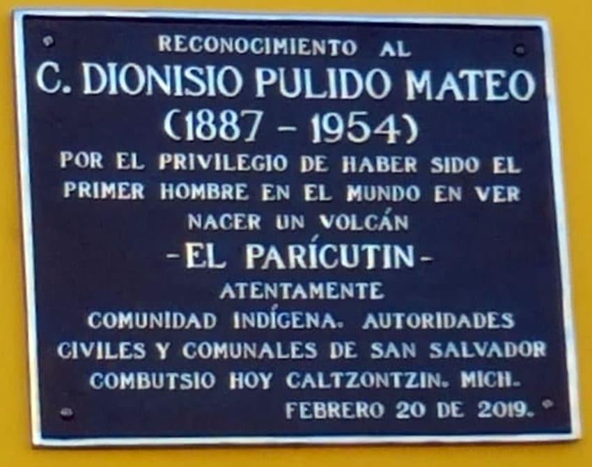 Placa homenaje al nacimiento del Paricutín y a Dionisio Pulido