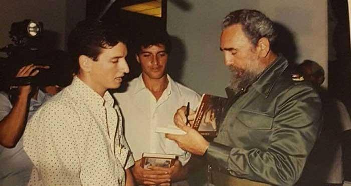 Fidel recibiendo a los representantes de Cerro Belmonte