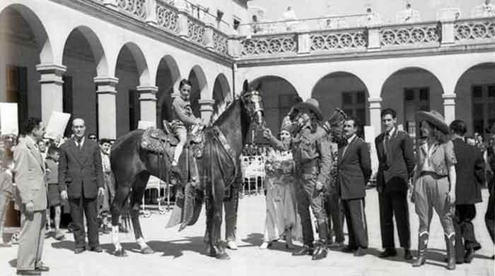 Buffalo Bill en Barcelona Buffalo Bill en el Hospital de la Santa Creu