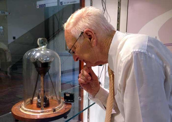 Experimento de la gota de  Premios IG Nobel