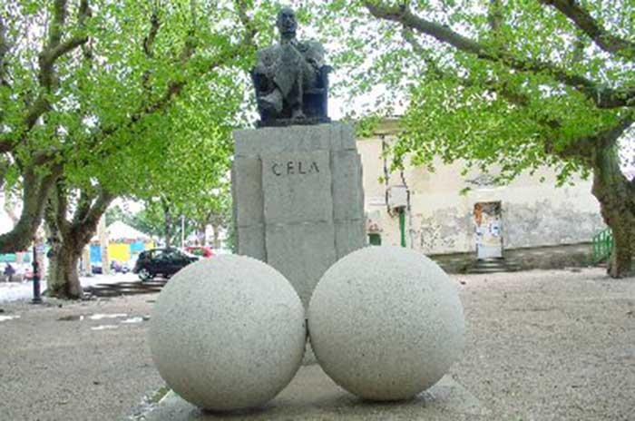 Monumento a Camilo José Cela