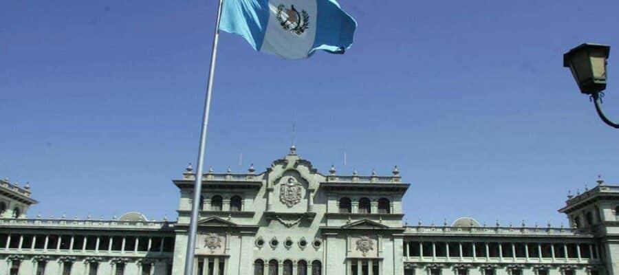 El café de la historia -Refranes de Guatemala