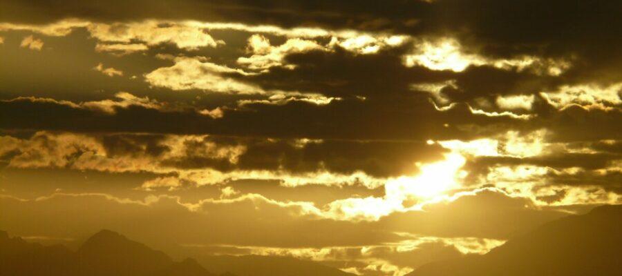 El café de la historia - Refranes de nubes